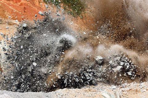 9 injured in grenade blast