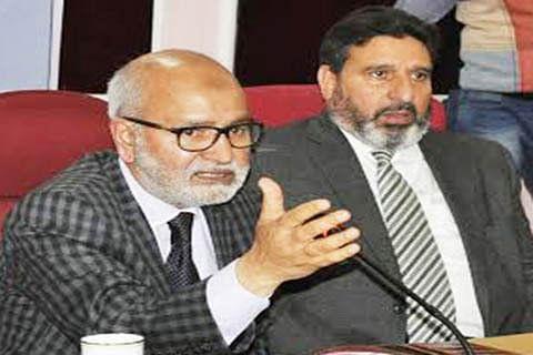 Supplement govt's efforts: Akthar to pvt schools
