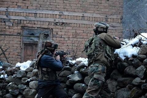 Video: Three militants killed in south Kashmir gunfight