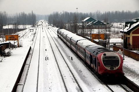 Train services suspended after heavy snowfall in Kashmir