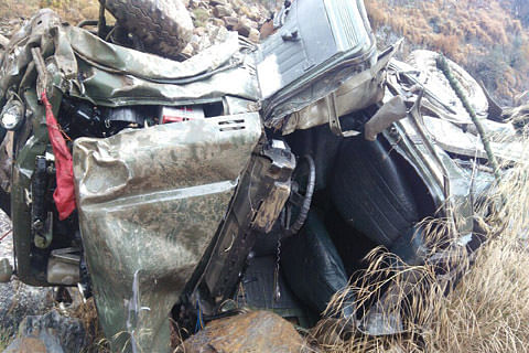 Five army men injured in road accident near Doda