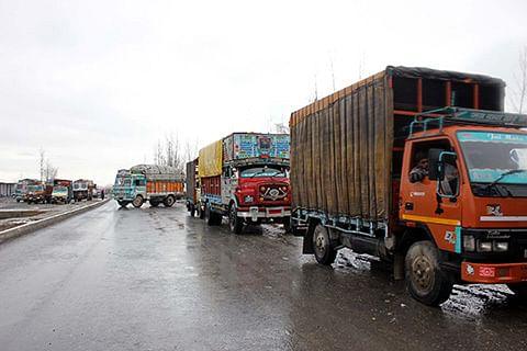 Traffic restored on Srinagar-Jammu highway