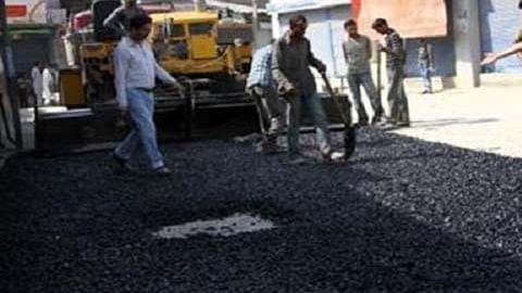 PadshahiBagh residents demand macadamization of lanes, bylanes