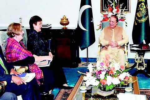 Nawaz urges WB to take lead in Indus Waters Treaty dispute resolution