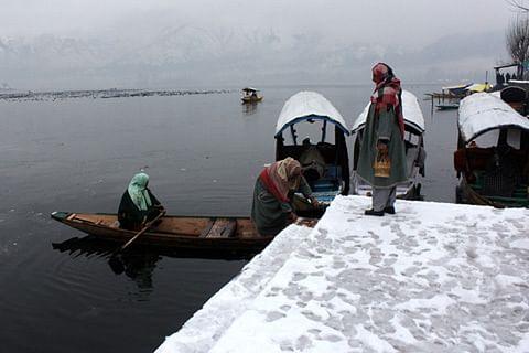 Video: Record snowfall cuts off Kashmir Valley