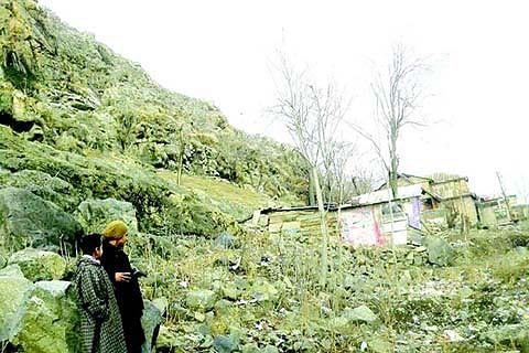 CRUMBLING OF MOUNTAIN AT PANTHA CHOWK