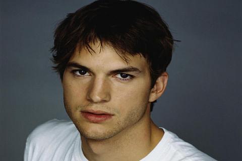 "Ashton Kutcher slams ""Muslim ban"" at SAG Awards"
