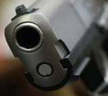 Two policemen injured in Delhi shootout
