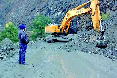 Highway restored for stranded traffic: Officials