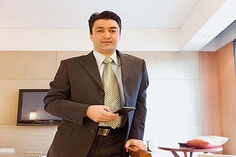 Weaving Success: Adil Mir's make in Kashmir dream