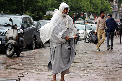 Weatherman predicts three-day spell of rains, snow in Kashmir