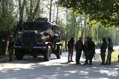 Militants attack cop's house in Verinag