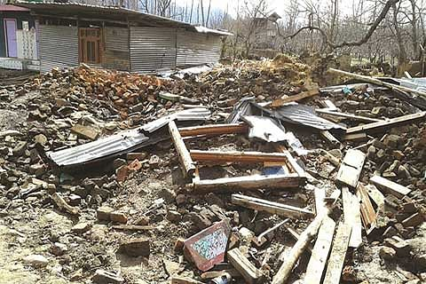 Tral family gets overwhelming support after forces raze house to ground