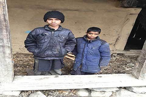 Kaneeza's family, locals reject stray bullet theory