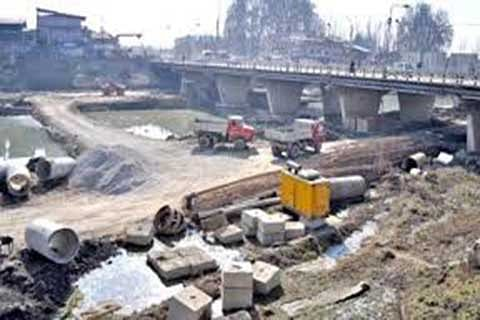 Closure of Rambagh bridge in evening pesters commuters