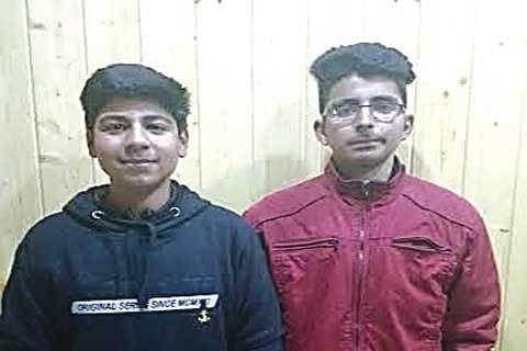 2 teen boys' web app helps book doc online