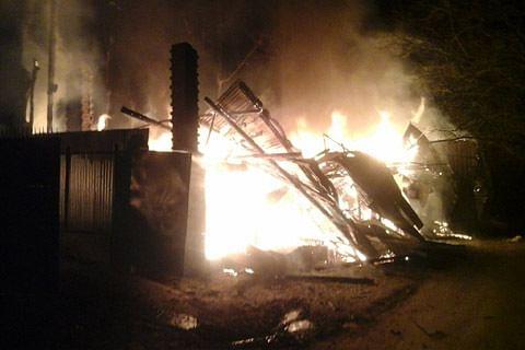 House, four shops gutted in blaze in south Kashmir's Anantnag