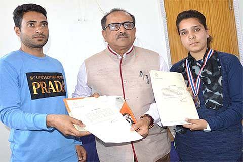 Dy CM felicitates Taekwondo silver medalist Mansha Bashir
