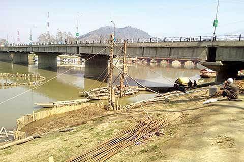 HC treats GK reports as PIL, orders status-quo on Rajbagh bridges