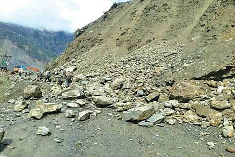 Road restoration work at Drabshala likely to suffer