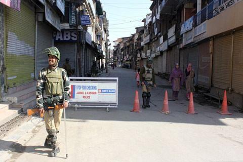 Video| Shutdown paralyses life in Kashmir