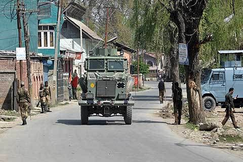 Fortified Budgam sticks to poll boycott