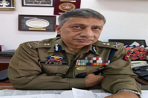 """CRPF video  World's any other army would have killed those boys: DGP lauds CRPF men's """"restraint"""""""