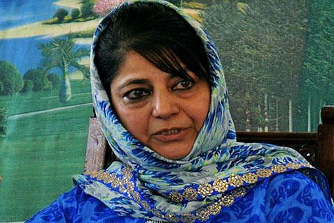CM condemns Kulgam, LoC killings