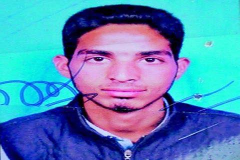 Budgam Killings: Cancer survivor father seeks justice for 16-yr old son