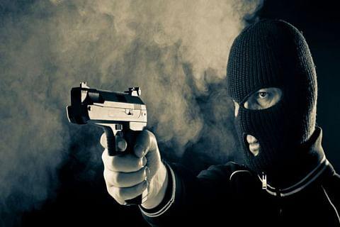 Video: Masked gunmen loot Rs 65,000 from bank in Kulgam