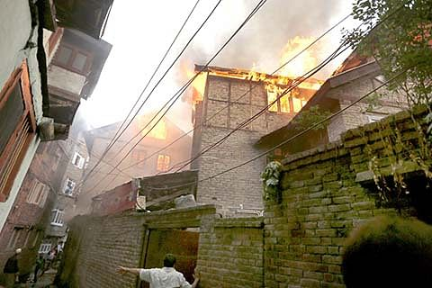 2 houses gutted at Dalgate