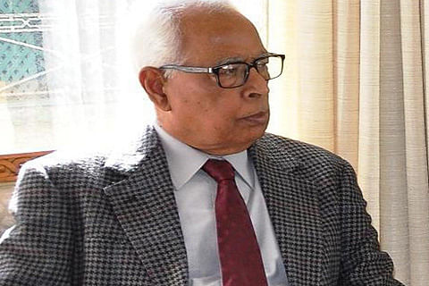 Governor's Secretariat re-opens;Top officers brief Vohra on security situation