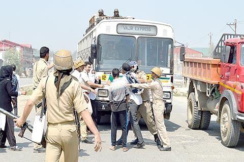 Students protest against arrests; Police detain 6 more