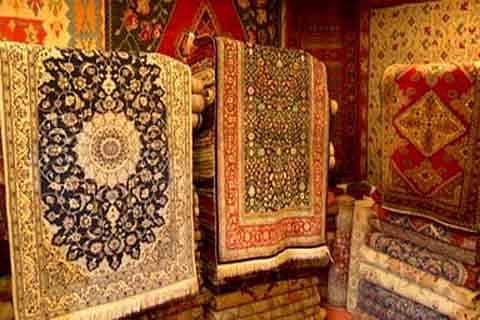 Low income forces weavers to turn away from carpet manufacturing in Kashmir