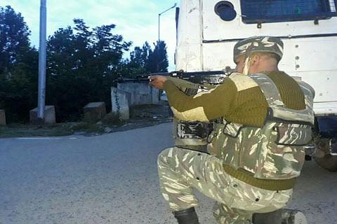 Army cordons off Ajas village in north Kashmir after gunshots heard