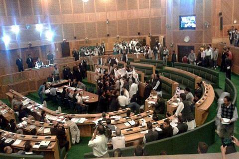 Media-persons boycott Kashmir assembly proceedings; Rana says emergency declared to pass GST
