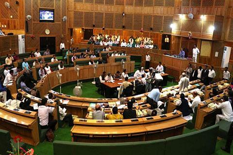 Media ends boycott of Kashmir assembly after Speaker apologises