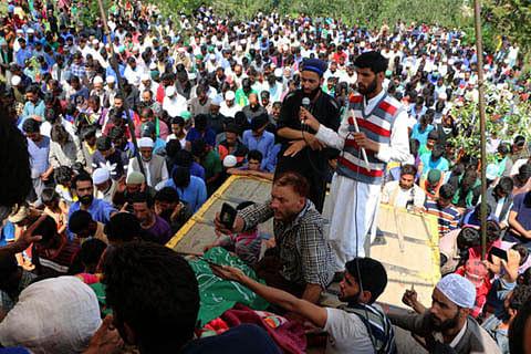 Kashmir: Five rounds of funeral prayers for slain militant Jehangir Khandey in Keller
