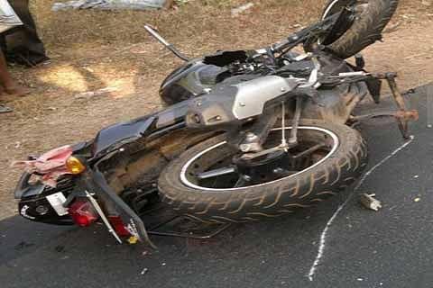 2 wheeler knocks woman to death