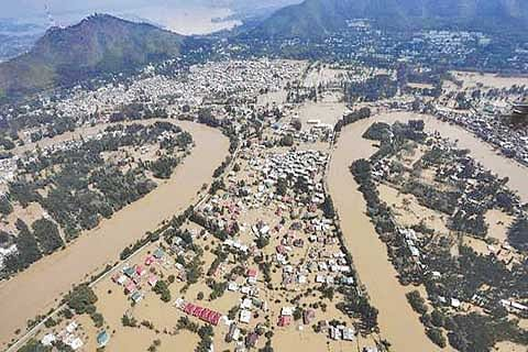 Jhelum Floods and Cosmetic Dredging against  Flood Mitigation