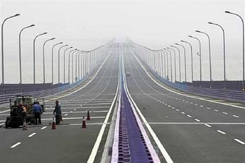 World's longest sea bridge to have electric vehicle charging stations