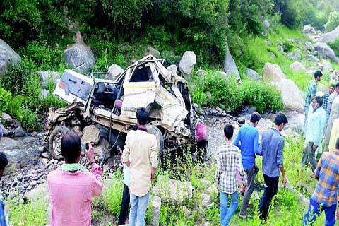 4 killed in Doda road accident
