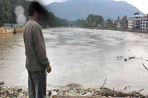CWC 'dumps' plan to build early flood warning system in J&K