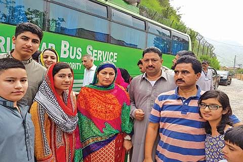 LoC bus back on track, trade to resume today