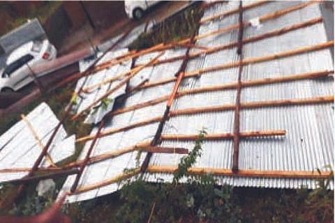 Wind storm wreaks havoc in Kishtwar