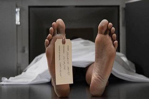Man falls from ridge, dies