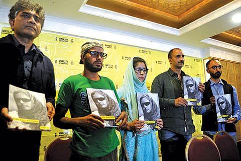 Amnesty calls for immediate ban on pellet guns