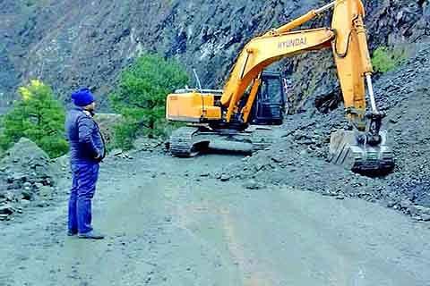 IGP Traffic seeks speedy restoration of Highway