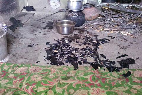 Budgam villagers accuse army of ransacking houses, thrashing inmates
