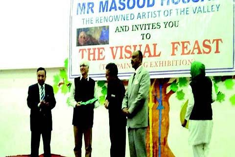 DPS Budgam organises painting exhibition